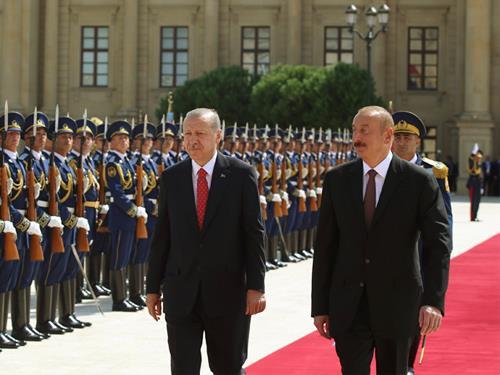 Cumhurbaşkanı Erdoğan, Azerbaycan Gençlik Sarayında