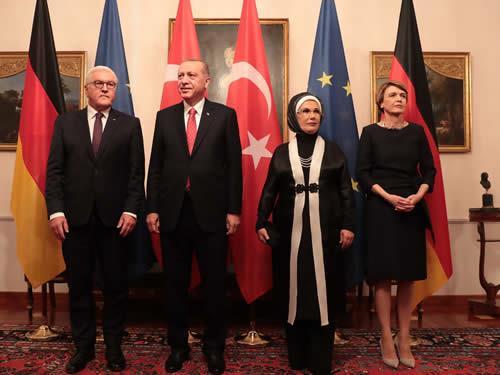"""""""Türk ekonomisi sağlam temeller üzerine kuruludur"""""""