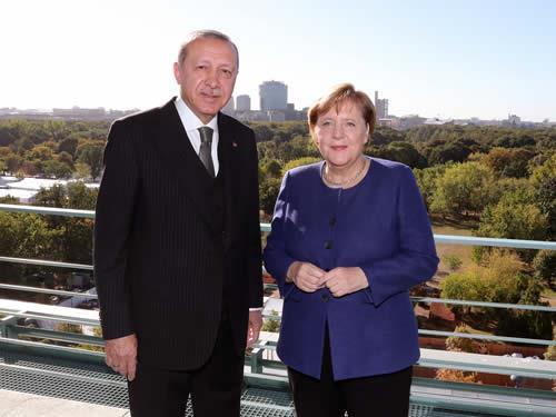 Cumhurbaşkanı Erdoğan, Almanya Başbakanı Merkel ile çalışma kahvaltısında bir araya geldi