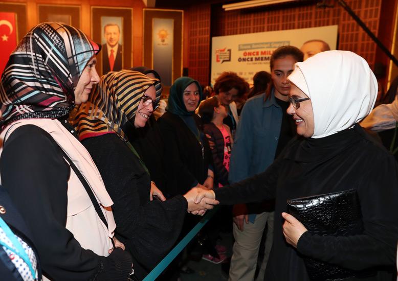 Emine Erdoğan AK Partili kadınlarla bir araya geldi 59