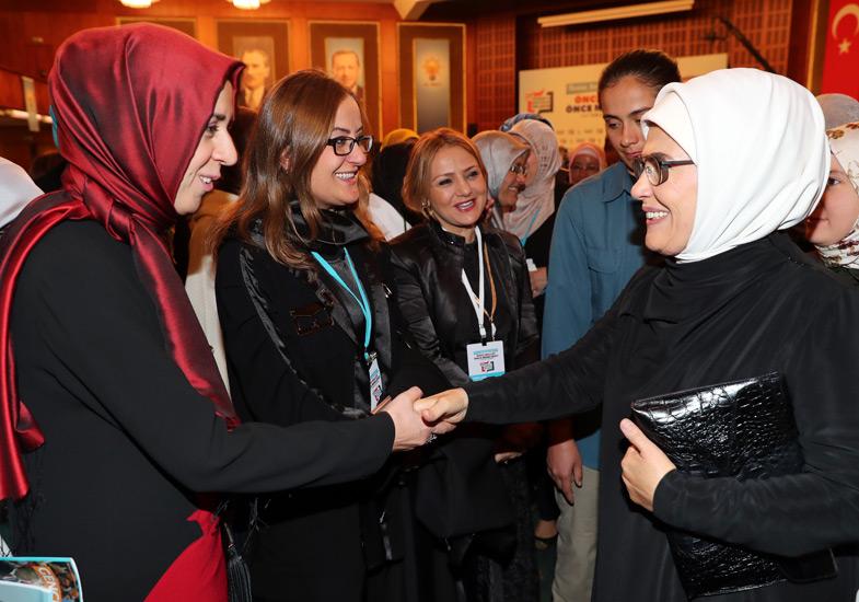 Emine Erdoğan AK Partili kadınlarla bir araya geldi 6