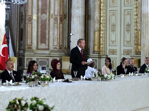 Cumhurbaşkanı Erdoğan'dan İslam İşbirliği Teşkilatı Zirvesi'ne Katılan Heyet Başkanları Onuruna Akşam Yemeği