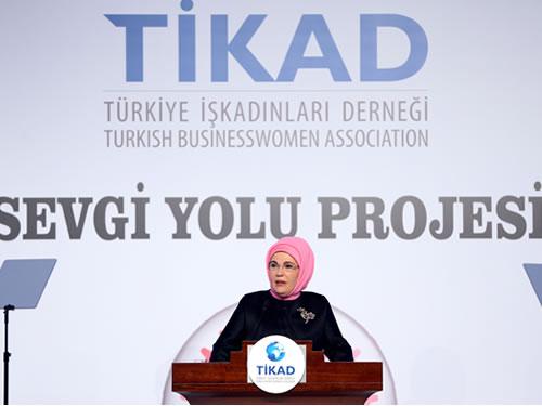Emine Erdoğan, TİKAD'ın Sevgi Yolu Kampanyası Gala Yemeği'ne Katıldı