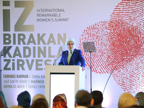 """Emine Erdoğan: """"Sivil Toplumu Güçlü Bir Ülkenin Demokrasisi de Güçlüdür"""""""