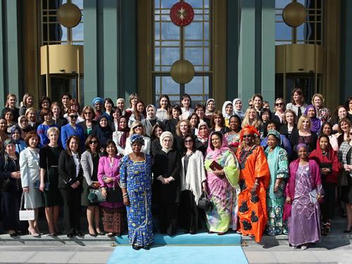 """Emine Erdoğan: """"Dünyanın Bütün Kadınları Huzurlu Bir Yaşam ve Aydınlık Geleceği Hak Ediyor"""""""