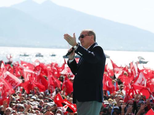 """""""Avrupa, Türkiye'yi Kendinden Görmüyor"""""""