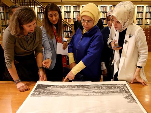 Emine Erdoğan, New York Public Library'yi Ziyaret Etti