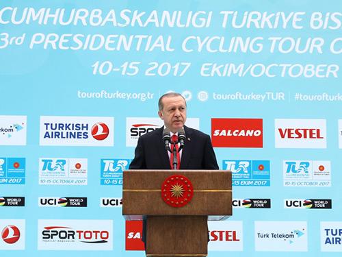 """Cumhurbaşkanı Erdoğan, """"53. Cumhurbaşkanlığı Türkiye Bisiklet Turu"""" Basın Turu'na Katıldı"""