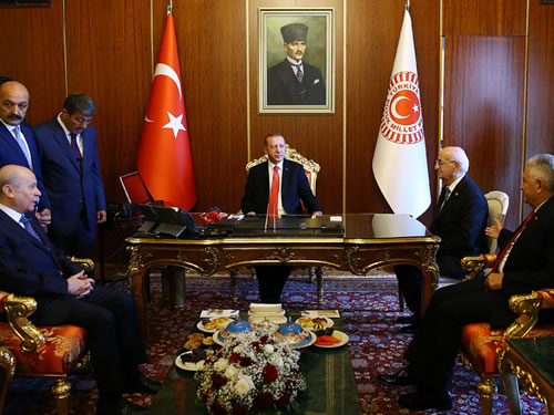 Cumhurbaşkanı Erdoğan, Başbakan Yıldırım ve MHP Lideri Bahçeli ile Görüştü