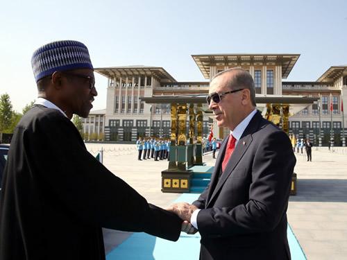 Nijerya Cumhurbaşkanı Buhari Cumhurbaşkanlığı Külliyesinde