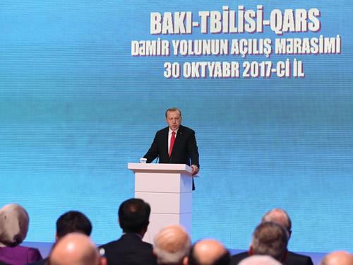 """""""Bakü-Tiflis-Kars Demiryolu Projesi, Yeni İpek Yolu'nun Halkalarından Birisidir"""""""