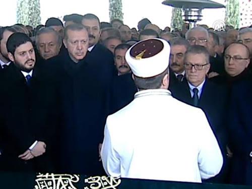 Cumhurbaşkanı Erdoğan, Eski Başbakan Mesut Yılmaz'ın Oğlunun Cenaze Törenine Katıldı