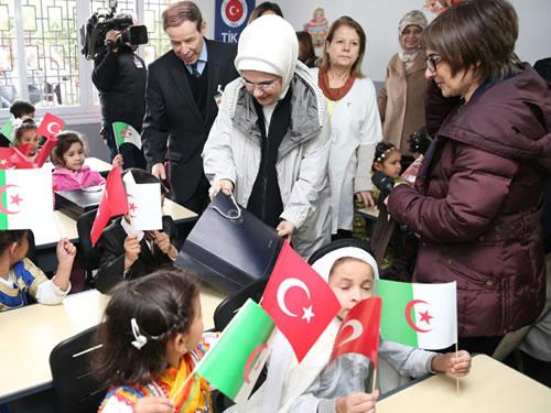 Emine Erdoğan, Cezayir'de Forem Derneği Anaokulu açılış törenine katıldı