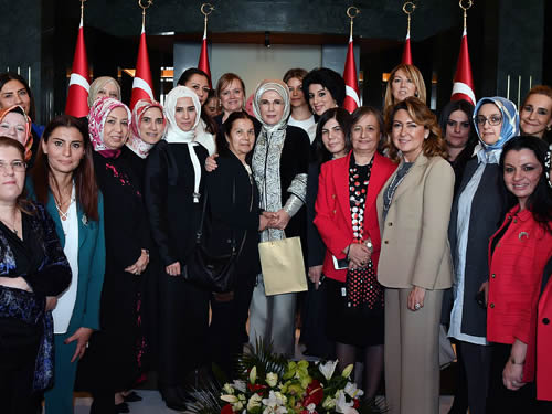"""Emine Erdoğan: """"Kadın sorunları başta olmak üzere temel meselemiz insanlık meselesidir"""""""