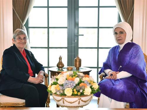 Emine Erdoğan, Prof. Dr. Karatay'ı kabul etti