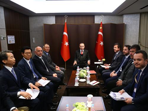 Cumhurbaşkanı Erdoğan, Hyundai firması yöneticilerini kabul etti