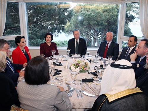 Cumhurbaşkanı Erdoğan Danıştay üyelerine akşam yemeği verdi