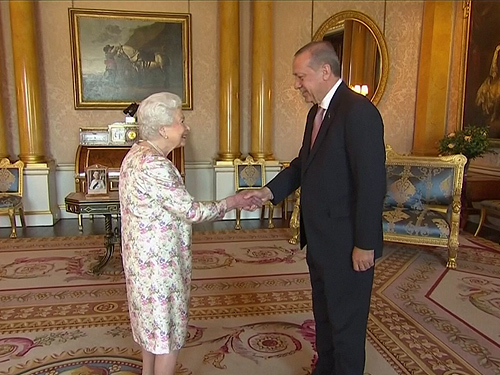 President Erdoğan meets with Queen Elizabeth II