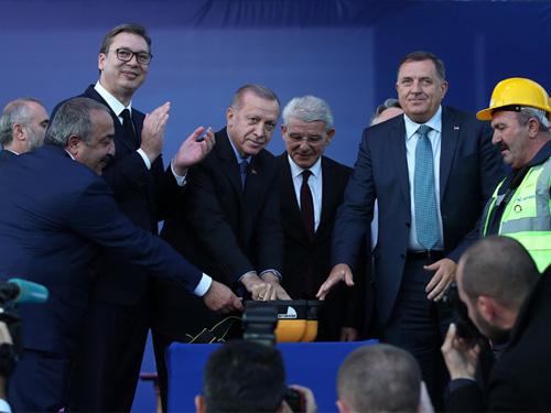 Cumhurbaşkanı Erdoğan, Sırbistan'da toplu açılış ve temel atma törenine katıldı