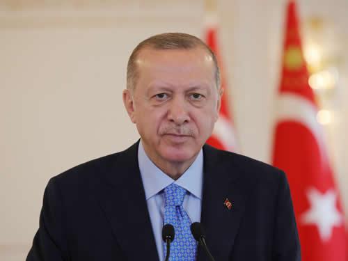 """""""Büyük ve güçlü Türkiye davamızla aramıza hiç kimsenin, hiçbir doğrudan ve dolaylı engelin girmesine müsaade etmeyeceğiz"""""""