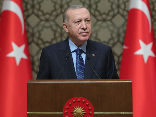 """""""Türkiye'yi kendi vatandaşlarımız yanında dünyadaki tüm bilim insanları için de bir cazibe merkezi hâline getirmeyi hedefliyoruz"""""""
